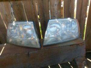 Wj grand cherokee headlights