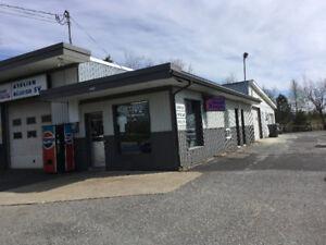 édifice commercial (garage a vendre)