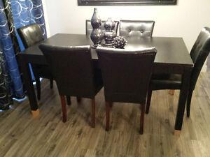 Set de cuisine- table et 6 chaises