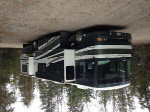 2004 Fleetwood Expedition 38N