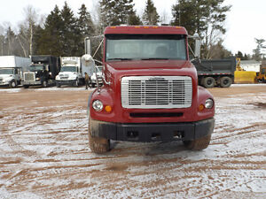 1999 FREIGHTLINER FL 112 CHASSIS