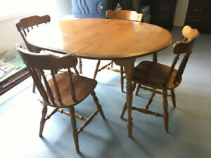 Kitchen dining table and 4 chairs for sale