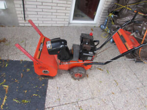 GAS POWERED SNOWBLOWER FOR SALE