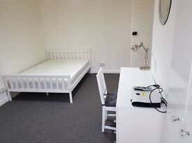 Spacious Double bedroom to Rent-Grays-£128pw all bills included!