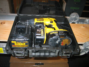 Dewalt Cordless Drywall Screw Gun