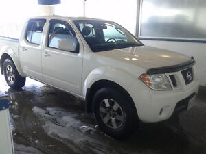 2011 Nissan Frontier PRO-4X Quad cab 6 spd manual Short bed