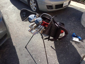 Full bag- Driver,woods,iron, wedge, putter, stand bag, cart-$100