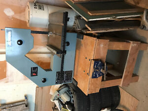 Delta Bandsaw on Stand with Bench Vise