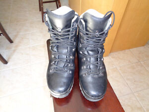 MENS HANWAG SPECIAL FORCES GTX SIZE 9.5