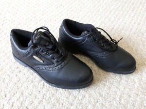 Golf Shoes - New - Never Worn