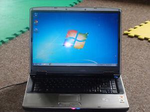 Gateway Screen 15 inch Windows 7 in good working condition