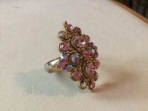 Gorgeous pink statement ring (A217)