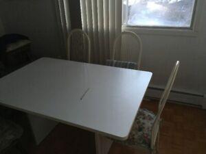 Table de cuisine (Kitchen table)