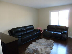 Beautiful Duplex For Rent In South Terwillegar - FREE DECEMBER