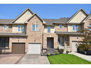 AMAZING HOME IN STONEY CREEK - 29 MEADOW WOOD Crescent