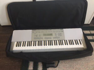 Casio WK 225 Portable Keyboard