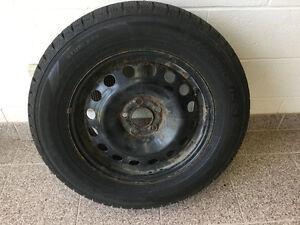 Snow tires on rims 215/65R16 Cambridge Kitchener Area image 2