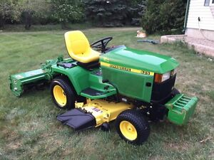 JD 425 Lawn and Garden Tractor