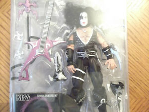 "RARE VINTAGE ""KISS"" ACTION FIGURES  NEW IN BOX 1997 Cornwall Ontario image 4"