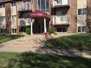 Amazing Location! 2 bd apt with balcony close to Oliver Square
