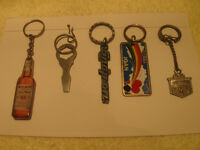 FIVE INTERESTING COLLECTIBLE VINTAGE KEY RINGS
