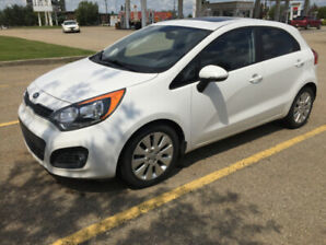 2014 KIA RIO HATCHBACK EXCELLENT CONDITION