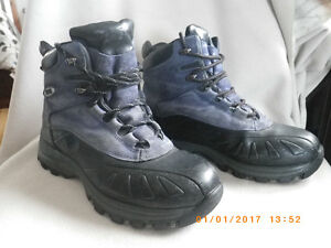 Cougar ankle snow boots - winter lined, size 10
