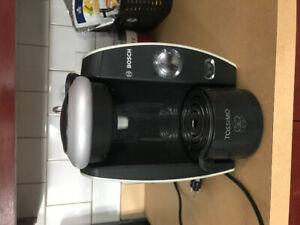 Bosch Tassimo coffee maker / Machine a café Tassimo Bosch