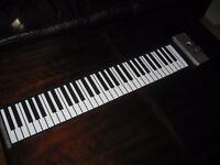 PIANO PLIABLE   transportable