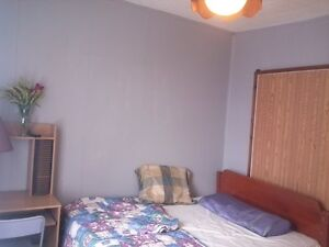 FURNISHED 8 BED ROOM-3 BATHROOM HOME FOR CONTRACTORS Peterborough Peterborough Area image 6