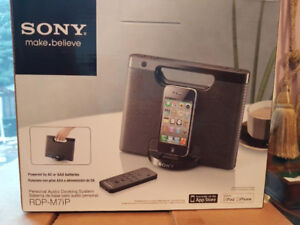 Sony RDPM7IP 30-Pin iPhone/iPod Portable Speaker Dock (Black) (D