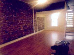 SPACIOUS LOFT APARTMENT FOR SUBLET ***MOVE IN BONUS*** London Ontario image 6