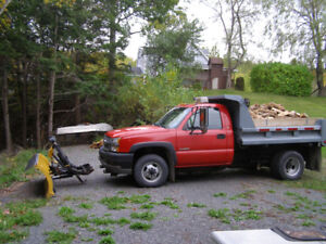 2004 Chevrolet 3500 4x4 with plow and dump
