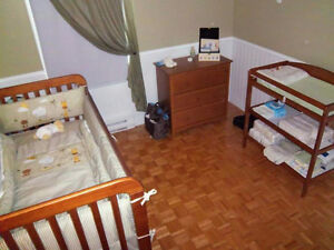 Lit de bébé/bassinette et bureau