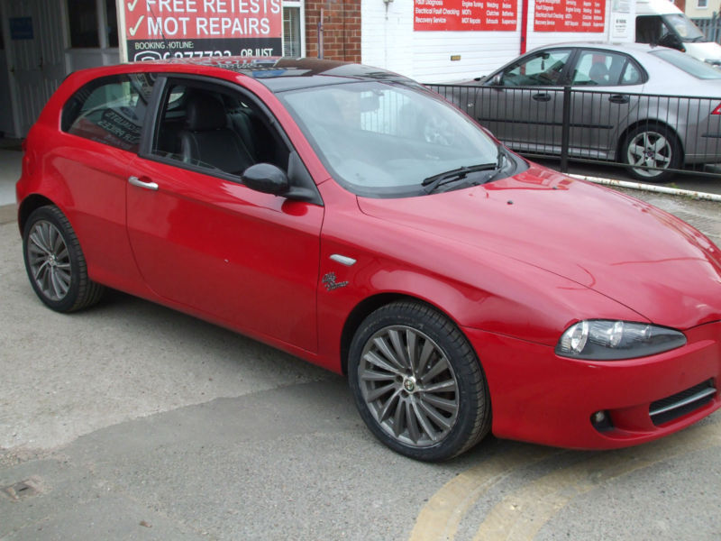 alfa romeo 147 1 6ts collezione sports hatch in alfa romeo red black leather in netherfield. Black Bedroom Furniture Sets. Home Design Ideas