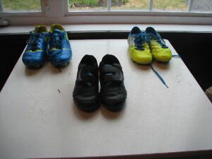 soulier de soccer garçon (voir autre photo pour plus)
