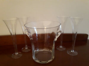 Glass Champagne Ice Basket with 4 Champagne Flutes.