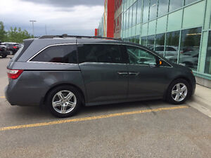 2011 Honda Odyssey Touring Minivan, For Sale By Owner