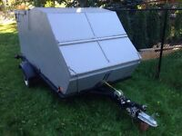 Snowmobile Trailer ( Clam Shell type )