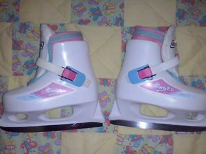 Little Girl Bauer skates size 8/9