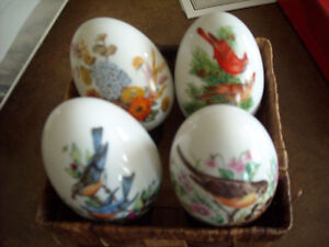 Avon porcelain eggs (4)