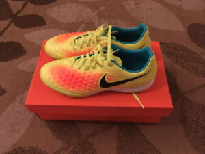 Soccer Cleats Indoor & Outdoor Like New Size 8 & 8.5