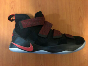 ab5ca282b67f Very Good Condition Nike Lebron Soldier 11s