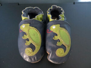 ROBEEZ Boys 6-12 months Chameleon Leather Slippers