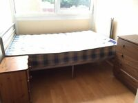 AVAILABLE NOW..NICE SINGLE ROOM IN ROEHAMPTON....£120 pw (bills inc)