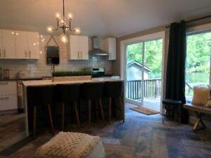 Beautifully Renovated Riverfront Cottage!