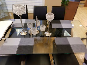 4 piece of table clothes for sale!Washable! Moving sale! All of