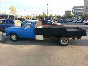 1977 Dodge D300 1ton 360 V8 Pickup Truck with flat bed