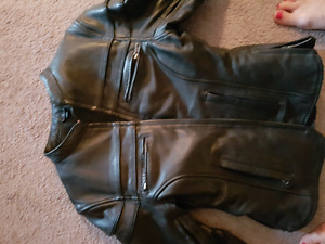 Woman's Genuine Leather jacket.  GREAT SHAPE!! GREAT DEAL!!