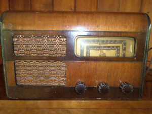 Mohawk Electron Tube Radio Model MWD5